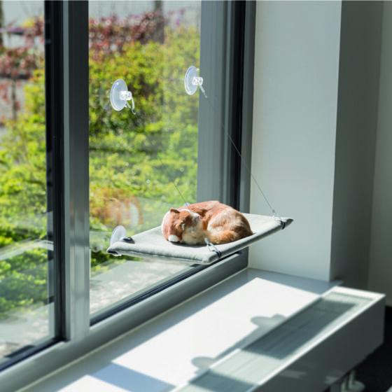 Seng til vindu med sugekopper L:30 x B:50 cm